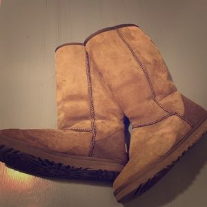Classic Ugg tall brown boots